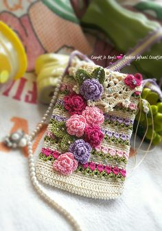 How to Crochet Mobile Cell Phone Pouch for iPhone Samsung - Crochet Ideas Crochet Phone Cover, Crochet Case, Thread Crochet, Love Crochet, Crochet Gifts, Diy Crochet, Beautiful Crochet, Crochet Handbags, Crochet Purses