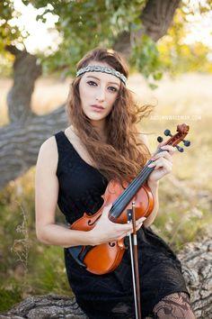 Seniors | Autumn Waldman Photography » Modern + Vintage Inspired | Natural-Light Portrait Photography | Nebraska » Violin