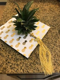 Any grad in this Pineapple graduation cap would have our full attention!