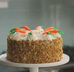 Did you know you can make Carrot Cake with Mott's? Check out the recipe here. A cooking fan page with cakes and other items. Just Desserts, Delicious Desserts, Fall Desserts, Yummy Treats, Sweet Treats, Cake Recipes, Dessert Recipes, Icing Recipes, Chocolate Hazelnut Cake