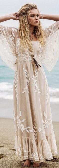 Boho Look | Bohemian hippie chic bohème vibe gypsy fashion indie folk the 70s…