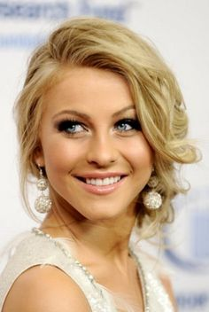 Julianne Hough side wavy updo