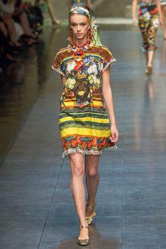 Dolce & Gabbana - Spring Summer 2013 Ready-To-Wear - Shows - Vogue. Runway Fashion, Fashion Show, Fashion Design, Fashion Trends, Milan Fashion, High Fashion, Women's Fashion, Dolce & Gabbana, Issey Miyake