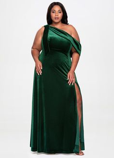 30 Classy Plus-Size Formal Dresses for Curvy Figure