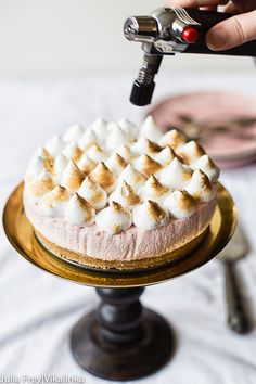 Strawberry Meringue Cheesecake (No Bake)