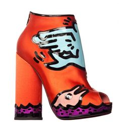 Nicholas Kirkwood collaborated with the Keith Haring Foundation on a collection of shoes inspired by the Artist's work.