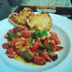 Roomyskitchen: BROILED TILAPIA FILLETS TOPPED WITH TOMATOES AND P...