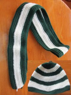 Hey, I found this really awesome Etsy listing at https://www.etsy.com/ru/listing/466766597/scarf-and-hat-in-the-colors-of-slytherin