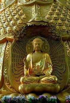 Buddha Kunst, Buddha Art, Buddha Statues, Gautama Buddha, Zen, Peaceful Words, Buddha Lotus, Buddha Figures, Spiritual Images