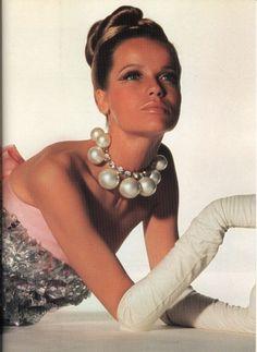 Pearls! love it! #ecrafty find glass pearls at http://www.ecrafty.com/c-595-glass-pearls.aspx