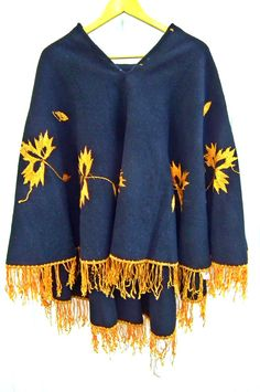 Woman Poncho Cape Black Vintage 70's Wool, gold color embroidered flowers, fringes, boho-chic, hippie style.