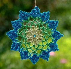 Items similar to Crochet dreamcatcher, mandala window hanger, lace suncatcher in turquoise and green colors, beaded on Etsy Crochet Circles, Crochet Squares, Crochet Motif, Crochet Doilies, Knit Crochet, Diy Step By Step, Step Kids, Dream Catcher Mandala, Dream Catchers