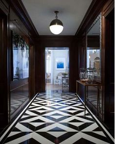 -black-and-white-hallway-suite