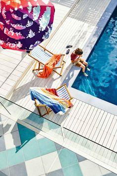 15 of the best backyard pools. Styling by Rachel Vigor. Photography by Derek Swalwell. Backyard Fort, Backyard For Kids, Backyard Projects, Backyard Pools, Deck Design Tool, Melbourne, Picnic Blanket, Outdoor Blanket, Ultra Modern Homes