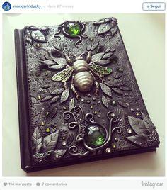 Artista cria capas de cadernos fantásticas!