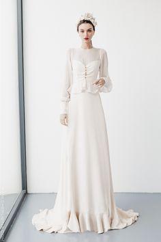 new Ideas bridal hijab princesses Modest Wedding Dresses, Designer Wedding Dresses, Bridal Dresses, Wedding Gowns, Prom Dresses, Ivory Wedding, Vintage Style Dresses, Dream Dress, Updos
