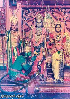 Krishna Painting, Krishna Art, N T Rama Rao, Rama Lord, Lord Rama Images, Universe Images, Lord Vishnu Wallpapers, Hindu Dharma, Lord Krishna Images