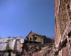 """#Cordoba - #Montilla - Castillo. 37°35'31"""" - 4°38'10"""". Esta grandiosa fortaleza medieval, castillo de los antiguos señores de Aguilar, fue mandada derribar en el año 1508 por Fernando el Católico, como castigo a la rebelde conducta de don Pedro Fernández de Córdoba, primer marqués de Priego. Se encuentra en estado de ruina."""
