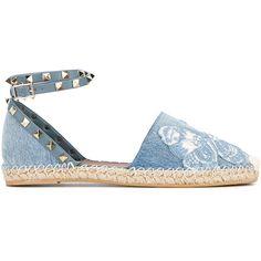Valentino Garavani Rockstud espadrilles (1.685.750 COP) ❤ liked on Polyvore featuring shoes, sandals, blue, ankle strap sandals, ankle strap flat sandals, flat leather sandals, blue leather sandals and valentino shoes
