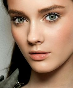 12 Best Makeup Primers Is your makeup literally melting off your face? Prepare for the warmer months ahead with these reader-approved makeup primers
