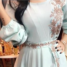 Stylish Dress Designs, Stylish Dresses, Simple Dresses, Fashion Dresses, Hijab Prom Dress, Hijab Evening Dress, Evening Dresses, Iranian Women Fashion, Arab Fashion