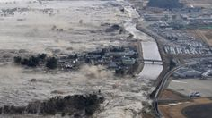 this is the location I want I could only find a picture of it during a tsunami though. I swear it looks great when there isn't a tsunami Japan Earthquake, Earthquake And Tsunami, Tsunami 2011, Fuerza Natural, Wow Photo, Wild Weather, Fukushima, Natural Phenomena, Extreme Weather