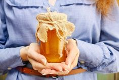 Honey has many healing properties. Here is a list of recipes that utilize honey in home remedies. Honey has many healing properties. Here is a list of recipes that utilize honey in home remedies. Ingrown Hair Remedies, Acne Remedies, Health Remedies, Herbal Remedies, Honey Benefits, Health Benefits, Women's Health, Beauty Tips For Teens, Art Therapy Activities