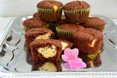 Najlepší dierkovaný pudinkovo šľahačkový koláč, ktorý keď som zjedol, pýtal som si ďalší. Je fantastický - chillin.sk Mary Berry, Berries, Cupcakes, Sweets, Baking, Breakfast, Food, Sweet Pastries, Bread Making