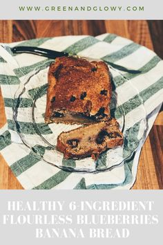 An easy bluebluerries banana bread recipe with only 6 ingredients you probably always have in hand. Perfect for breakfast and to satisfy your sweet tooth. Healthy Eating Habits, Healthy Lifestyle Tips, Healthy Eating Recipes, Healthy Breakfast Recipes, Healthy Snacks, Blueberry Banana Bread, Banana Bread Recipes, Greens Recipe, Simple Recipes