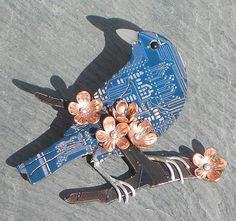 Circuit board jewelry is second life for recycled hardware | TechRepublic