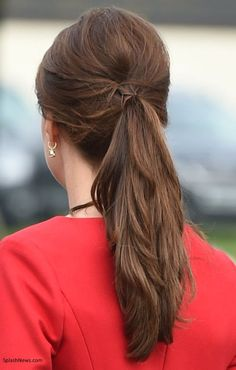 The Duchess wore her hair in a very pretty ponytail, love it!!