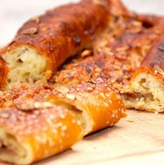 Søren Ryges kringle opskrift (hjemmebagt kringle) - Madens Verden Banana Bread, Sausage, Deserts, Pork, Food And Drink, Meat, Breakfast, Cake, Recipes