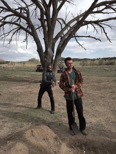 XD ha ha----Domonic Cooper and Joeseph Gilgun on the set og Preacher