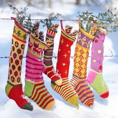 Reminds me of Christmas in Whoville. Credit: Ravelry: Kristin's Creative Christmas Stockings pattern by Kristin Nicholas. Christmas Style, Noel Christmas, Country Christmas, Winter Christmas, All Things Christmas, Christmas And New Year, Christmas Crafts, Christmas Medley, Christmas Blessings
