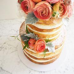 Wedding cake || photo and cake @gracioushoney_