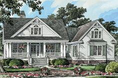 Plan #929-8 - 1905 sq ft Houseplans.com Has bonus room over garage.  My favorite - Love this floor plan - ❤❤