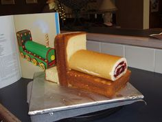 vanillalatte: Train Birthday Cake