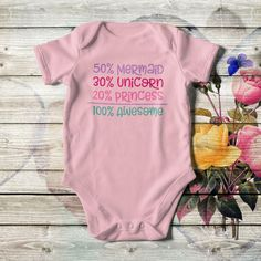 Personalized baby girl bodysuit, in pink, white or black color with multicolor artwork, lap shoulders, short sleeves, side seams, and bottom snaps. Add the baby's name or whatever you like. Made of ribbed cotton, in 4 sizes. Personalized Baby Gifts, Baby Bodysuit, Refashion, Baby Names, Bodysuits, Baby Shower Gifts, Pink White, Onesies, Short Sleeves