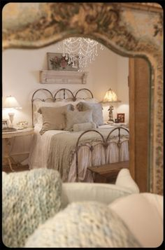 cozy bedroom, love the iron bed