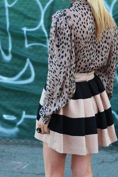 Moda Chic, Glamour, Fashion Outfits, Womens Fashion, Fashion Styles, Fashion Prints, Fashion Fashion, Stripe Skirt, Cute Skirts