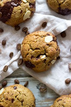 Breakfast Coffee & Oat Cookies, with dark chocolate and almond flour!