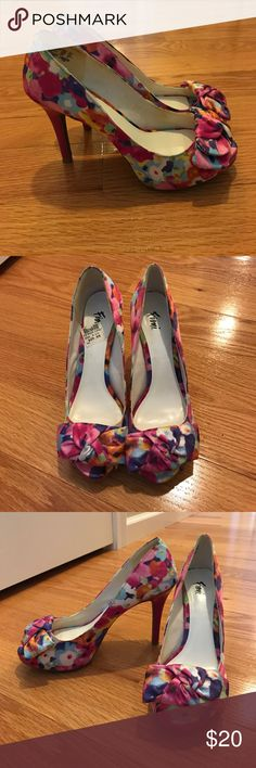 """Like new Multi-color high heels Cute multi-color heels. Worn once. 3.5"""" heel.         Buyers can expect: Careful packaging, fast shipping, & delivery confirmation with each item purchased! PET-FREE and SMOKE-FREE HOME! FIONI Clothing Shoes Heels"""