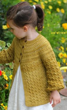 Knitting pattern for Elisa Cardigan