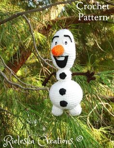 Price is for the PATTERN only, not the finished product.  Crochet pattern pdf amigurumi- Olaf the snowman size : 20 cm , 8 inches  *Worsted weight yarn and hook size: 3,50mm*  There is no shipping charge for this item, as it is a PDF file and will be sent almost direct of payment. If you dont receive it within 24 hours, please, contact me.  All patterns are written in standard American terms.  You can always contact me if you have any problems with the pattern. These patterns are copyright…