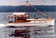 Old Yachts From 1920s   In the early 1920's West Coast boatbuilding yards