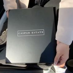 Searching for that perfect gift? Look at our new Caspar Estate Gift Boxes. Fill them with Caspar Estate Sauvignon Blanc, Olive Oil and Honey as seen here or switch in a candle. #itsfromnapa #napavalley #sauvignonblanc #napagift #napagifts #honey #oliveoil #evoo #giftboxes🎁 #luxgift #luxlifestyle #casparestate