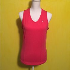 Nike coral pink tank Women's Nike coral/pink tank top, size large, slim fit, great condition, no built in bra, bundle to save ❤️ Nike Tops Tank Tops