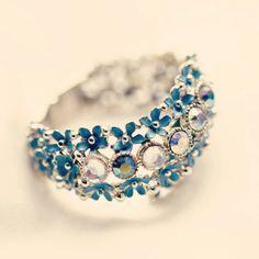 Vintage Rhinestone Cuff ~ love the dainty blue flowers! Hair Jewelry, Jewelry Box, Jewelry Rings, Vintage Jewelry, Jewelry Accessories, Fashion Accessories, Fashion Jewelry, Vintage Rhinestone, Costume Jewelry