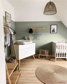 Willow Green Nursery You are in the right place about babies netflix Here we offer you the most beautiful pictures about the babies decor you are looking for. When you examine the Willow Green Nursery part of the picture you can get the massage we … Baby Bedroom, Baby Room Decor, Kids Bedroom, Nursery Decor, Bedroom Decor, Girl Room, Nursery Room Ideas, Bedroom Ideas, Baby Room Diy