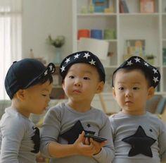 Love these kids Cute Kids, Cute Babies, Baby Kids, Song Il Gook, Triplet Babies, Superman Kids, Korean Tv Shows, Man Se, Song Triplets